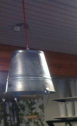 Snyggaste lampan av en zink hink